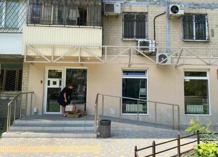 Продается фасадное помещение на Таирова